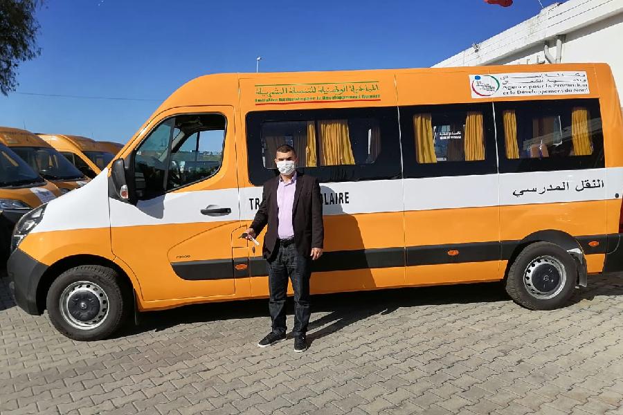 Remise des clés des moyens de transport scolaire au profit d'associations du milieu rural